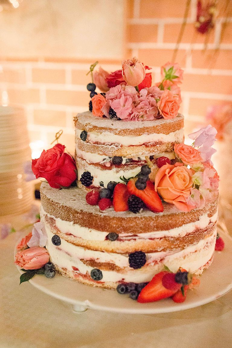 hausgemachter Naked Wedding Cake